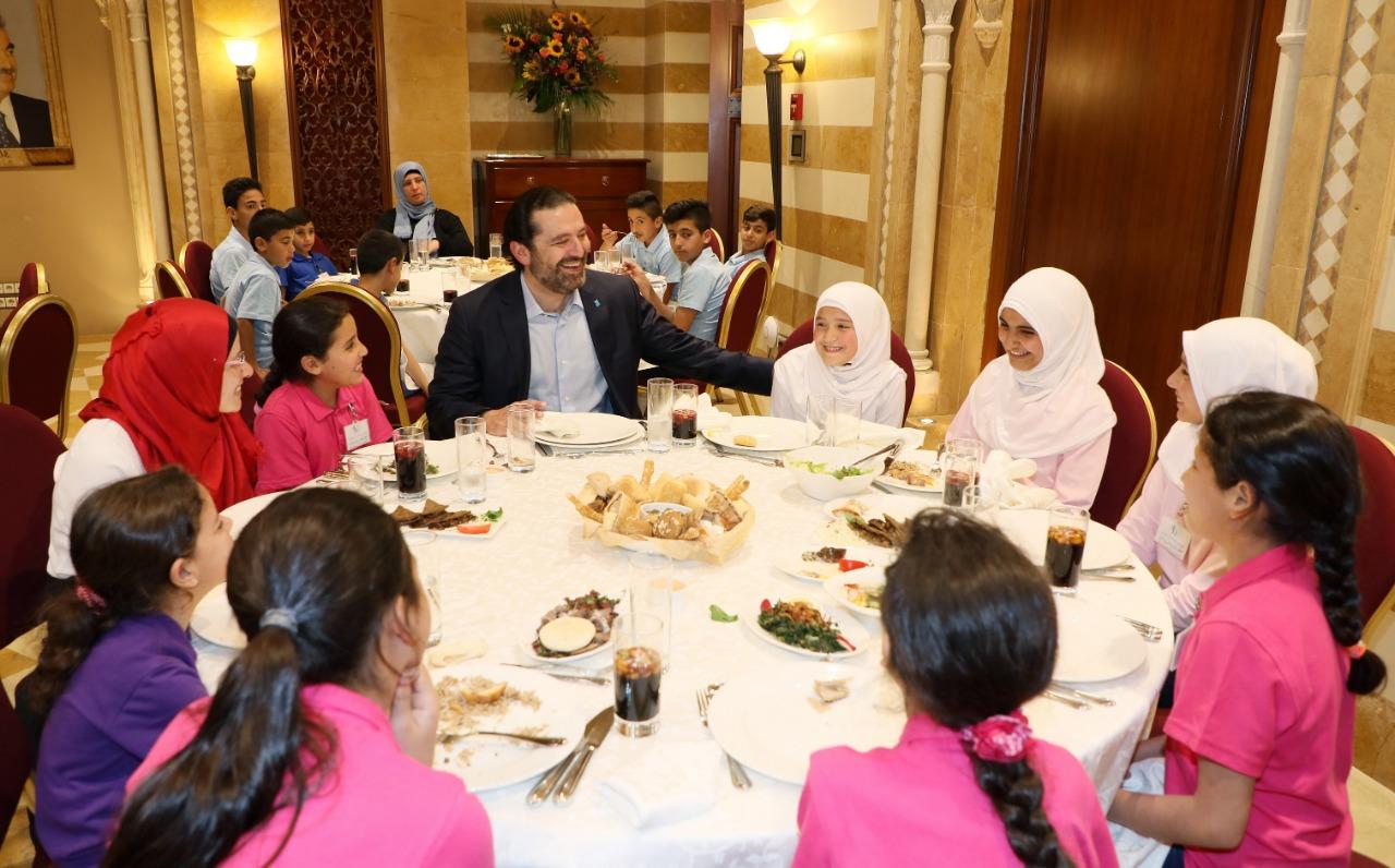 نتيجة بحث الصور عن سعد الحريري مع الأطفال الأيتام